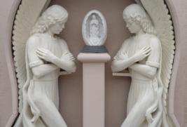S003– Kneeling Angels w/Pedestal & Guadalupe Statue